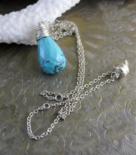 collier-goutte-de-turquoise-facettee-sur-c-2071477-3-454c9_big.jpg